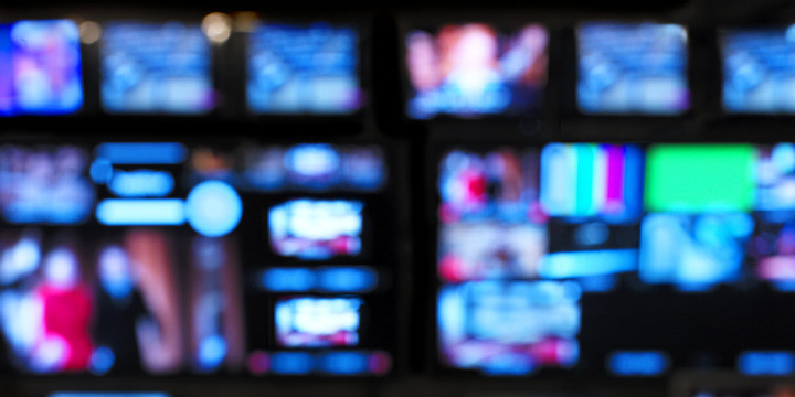 http://www.sportsjournalists.co.uk/wp-content/uploads/2013/01/TV-sport-generic-control-room.jpg