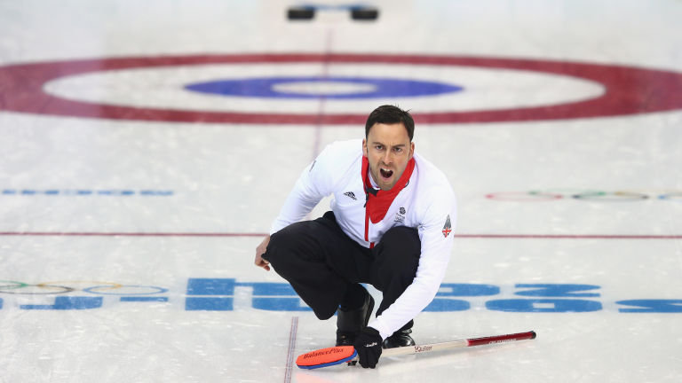David Murdoch roars home his stone in Wednesday's Olympic semi-final against Sweden