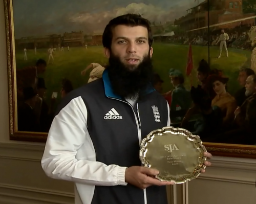 Award-winner: Moeen Ali accepts the SJA's international newcomer of the year trophy