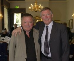 Sir Alex Ferguson was amng thos to pay tribute to former Mail on Sunday reporter Bob Cass